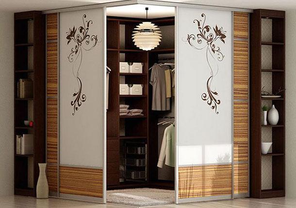 Оригинальный дизайн дверей для гардеробной комнаты