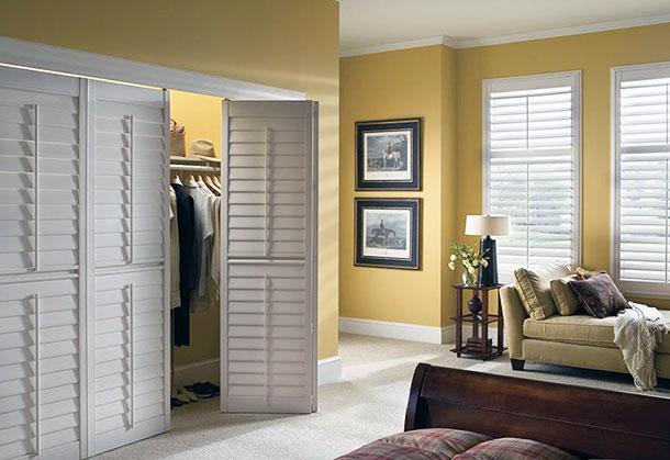 Складная дверь-гармошка в гардеробную комнату