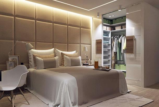 Красивая гардеробная в спальной комнате