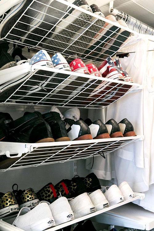 Размещение обуви в гардеробной комнате
