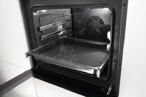 Что означает каталитическая очистка духовки