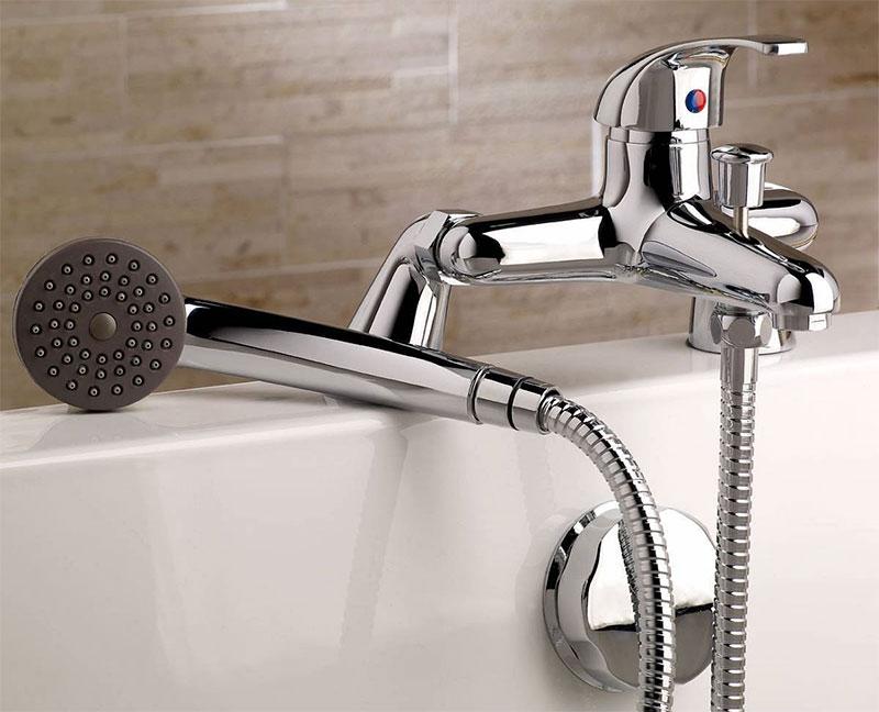Смеситель для ванны с душем устройство